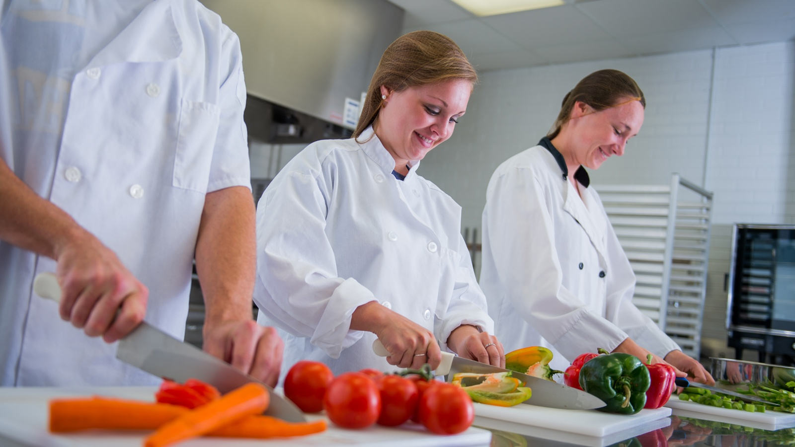 Featured Image for 4 Possible Career Paths for Dietetics Grads